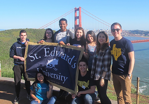 Group of students in front of San Francisco bridge image