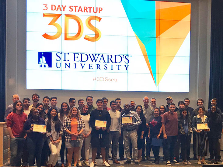 Students with 3-Day Start Up award certificates