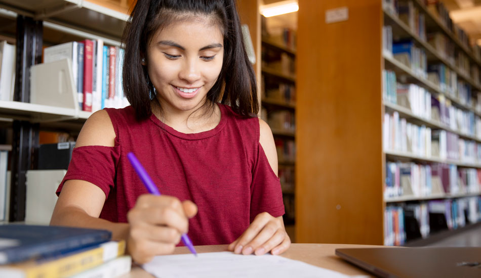 Student writes her college essay