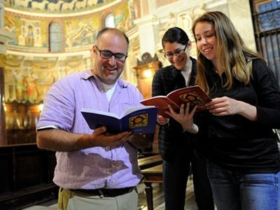 Dr. Steve Rodenborn with St. Edward's Students in Rome