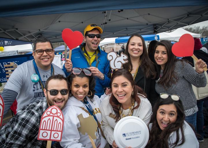 We love our alumni volunteers!