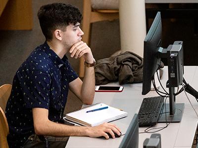 student attends webinar